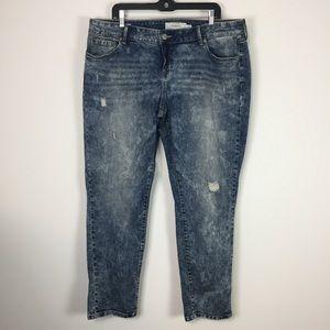 Torrid boyfriend jeans 18 distressed acid stretchy